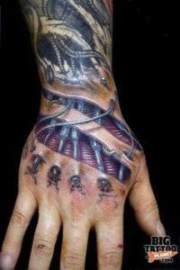 Biomechanical Tattoo 21