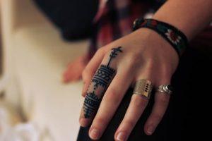 Finger Tattoo 40