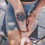 flower-tattoos-for-girls-24