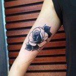 flower-tattoos-for-girls-38