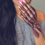 hand-tattoo-for-girls-36