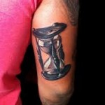 Broken hourglass tattoo  Hourglass Tattoo Meaning & Designs | Traditional Hourglass Tattoos