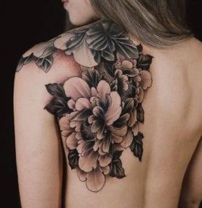 Dani Liberal Tattoo Artist 4