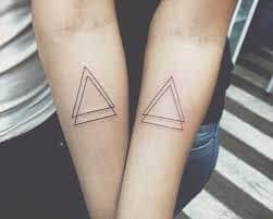 Bedeutung doppeltes dreieck tattoo Bedeutung von