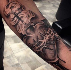 Black and Grey Tattoo Artist 40