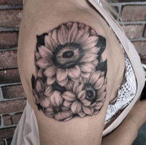 Black and Grey Tattoo Artist 29