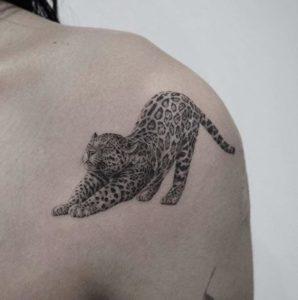 Minimalist Tattoo Artist Youyeon 1